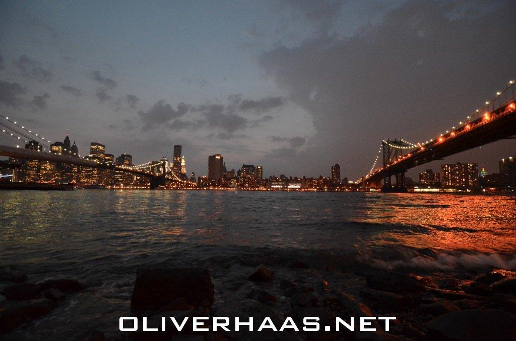 brooklyn bridge fotos bei nacht. Black Bedroom Furniture Sets. Home Design Ideas