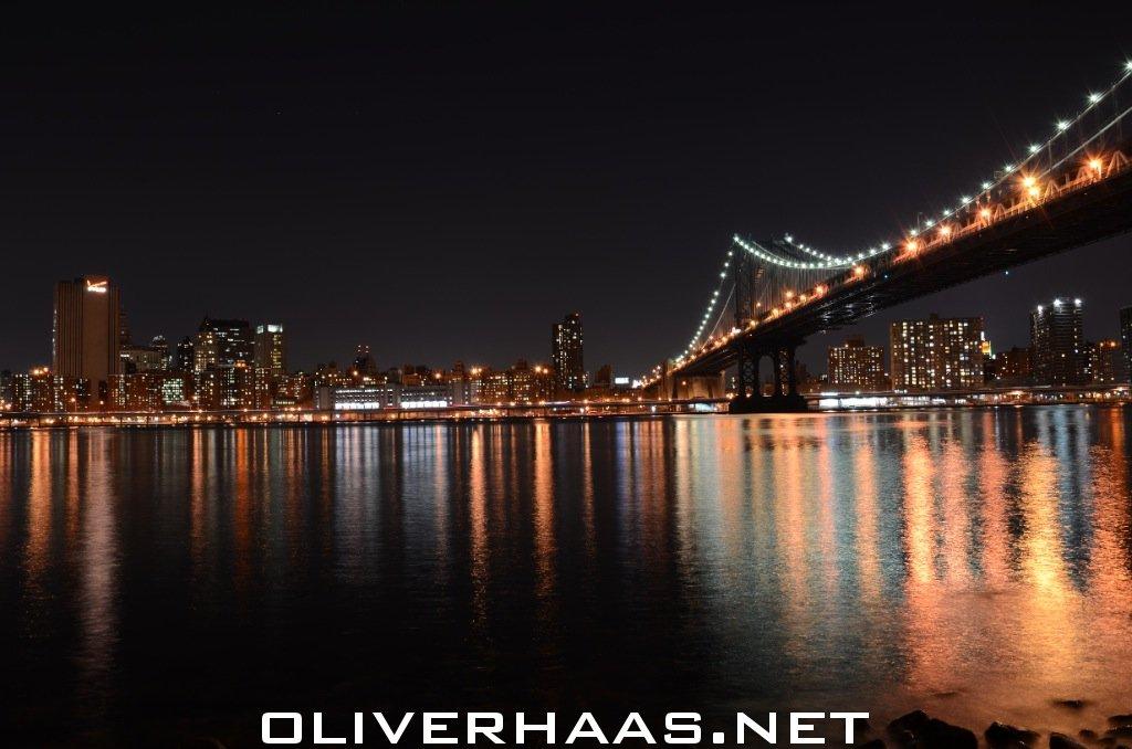 brooklyn bridge und new york city skyline bei nacht fotografieren. Black Bedroom Furniture Sets. Home Design Ideas